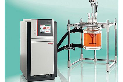 Reactor Temperature Control in Laboratory Applications