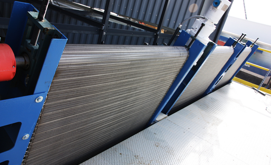 Traveling Water Screens Prevent Cooling Tower Clogging for Chemical Plant
